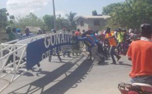 Artibonite : panique à Gonaïves, pneus enflammés érigés sur la cour du Palais de justice
