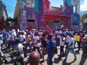 Manifestation : l'opposition continue de protester à travers les rues de Port-au-Prince contre le pouvoir en place