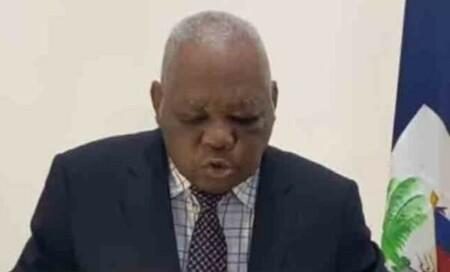 Le président provisoire désigné par l'opposition, Joseph Mécène Jean-Louis interdit de quitter le pays