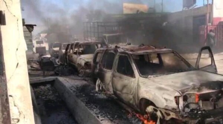 """Croix-des-Bouquets (Ouest) : attaque armée du gang """"400 mawozo"""", 2 morts et une dizaine de véhicules incendiés"""
