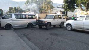 Hinche (Centre) : Manifestation pour exiger la libération de Mackenley Mogène et son frère enlevés à Port-au-Prince